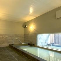 *大浴場一例/世界でも珍しい、オイル成分を含む天然温泉!お肌を潤し体を温めます。