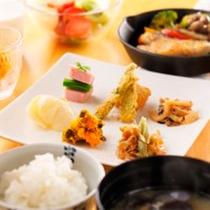 *朝食一例/旭川産ゆめぴりか特級米やお野菜をたっぷり♪