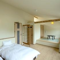 *客室一例/デラックスルーム/畳の上でゆっくりとお寛ぎいただけます。