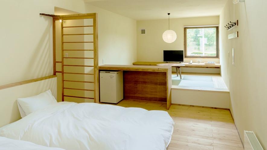 *客室一例/デラックスルーム 木の風合いが心地良い、フローリングに和風ベッドスタイルのお部屋