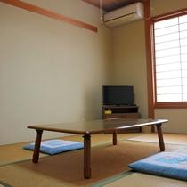 *【和室6畳】やさしく暖かい雰囲気の純和室♪カップルやご夫婦・お友達との観光などにご利用ください。