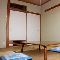 *【和室6畳】やさしく暖かい雰囲気の純和室♪Wi-Fi完備しています。※バス・トイレは共同です。