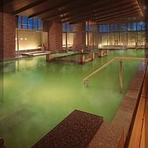 7色に変化する魔法の温泉(緑系1)