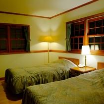 *【客室一例/夜のツインルーム】