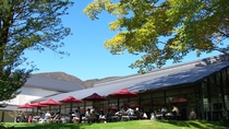 *【ラリック美術館】カフェレストランLYS