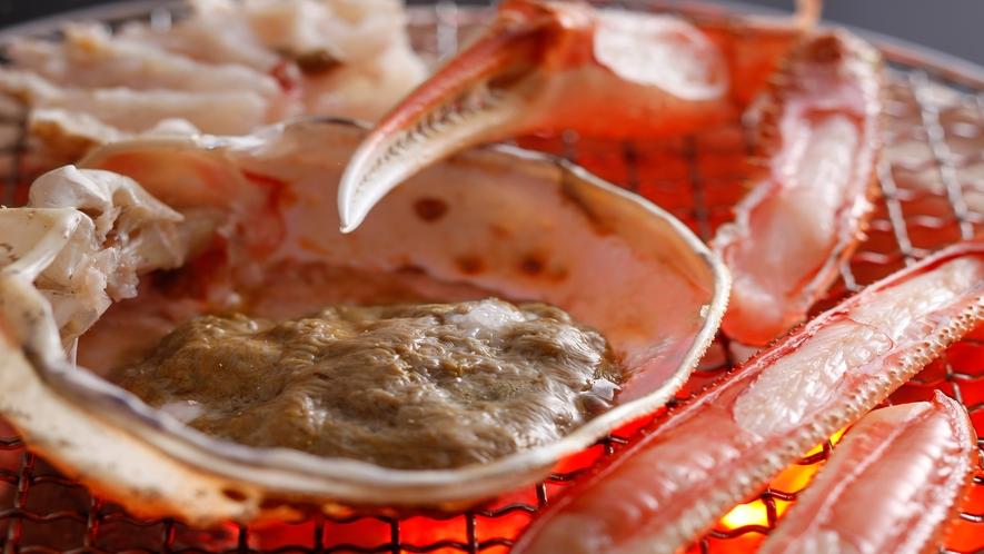味噌たっぷり炭火で炙る「焼き蟹」イメージ