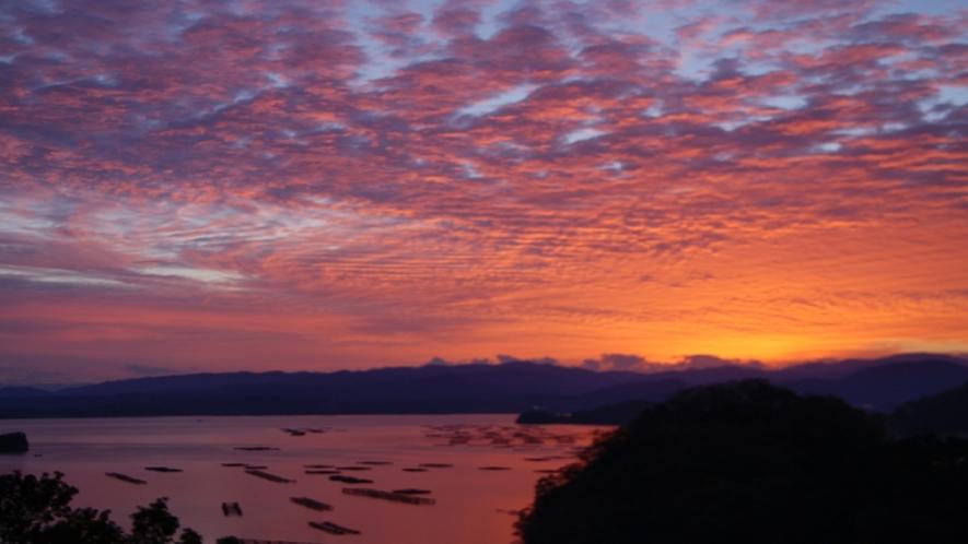 久美浜湾の朝焼け