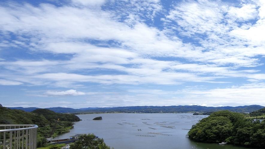 久美浜湾を見渡すお部屋からの眺め