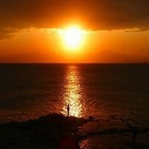 稚児ヶ淵から見た夕日