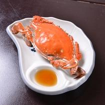 *お夕食一例(渡り蟹)/そのままボイル!特製の酢醤油でどうぞ。カニみそもお忘れなく☆