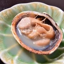 *お夕食一例(焼アサリ)/磯の香りと塩味。海から届く恵みをご賞味下さい。