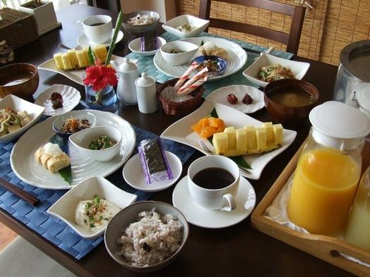 朝食付。広々客室。交代制ジャグジー風呂。カップルからお子様連れの家族にもお勧め。(夕食別途受付可)