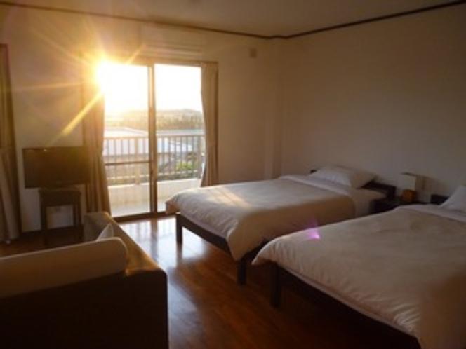 客室(夕陽)