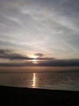 琵琶湖から望む日の出