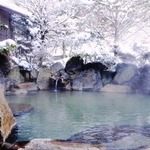 冬の醍醐味♪ひろびろ露天風呂で雪見風呂も!