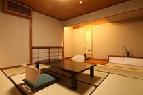 和室8畳(眺望:坪庭 バスなし・トイレ付き)
