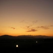 【レストラン】夕陽★見慣れているはずのスタッフもこの時間・この景色に毎回うっとり…♪