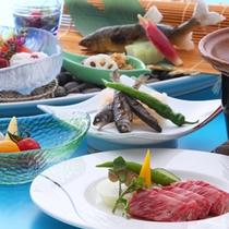 黒毛和牛陶板焼き会席 季節のものを取り入れたお食事は、出来立てを順番にお出しします。