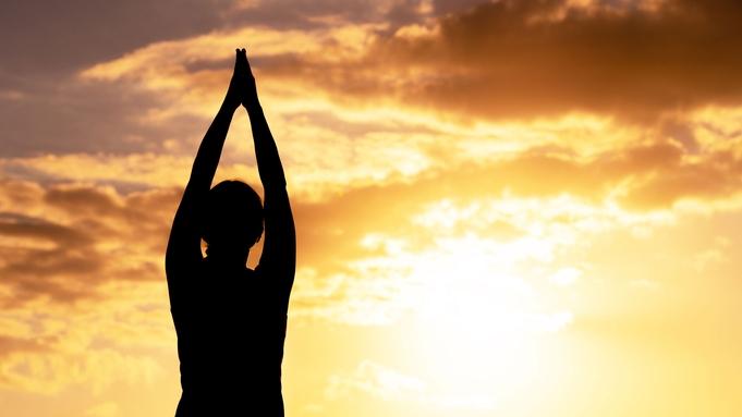 【やつしろヘルスツーリズム】日奈久の夕陽を満喫ウォーキング&朝日の中でクノンヨガ☆<2食付>