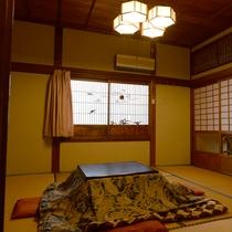【和室一例】外の光を利用した飾り障子がアクセントに伝統ある木造建築が魅力です。