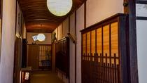 *【廊下】館内はレトロな雰囲気漂う建築様式です。