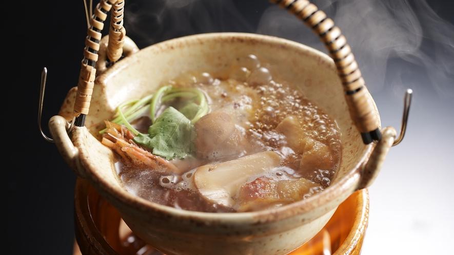 【松茸土瓶蒸し】秋の味覚/キノコの最高峰の香りもお愉しみください
