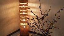 【4階フロント】兵庫県/豊岡の豊岡杞柳(きりゅう)細工の照明を設置