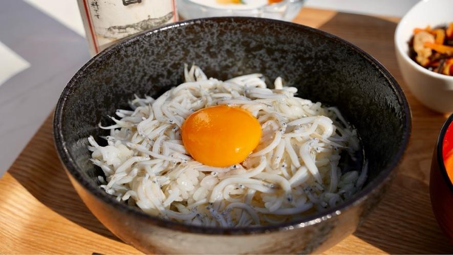 朝食 シラス丼