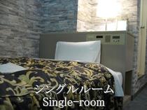 シングルルーム(HOTEL WAKABA)広さ約14平米とちょっと広めのシングルルームです。