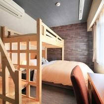 シモンズ社製のベッドでぐっすり【ビジネスツインルーム(一例)】