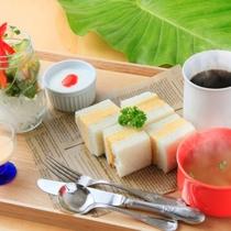 ご朝食は併設のカフェで(イメージ)
