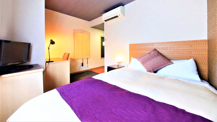 【本館ダブルルーム】140cm幅のベッドで広々☆快適な睡眠を・・・