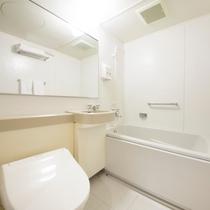 【客室】清潔感のあるバスルーム