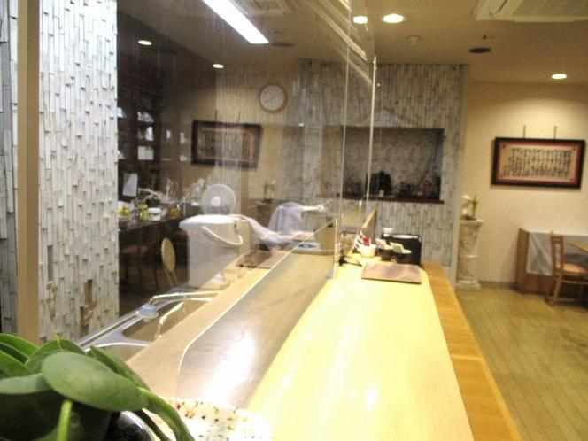 朝食会場カウンター(飛沫防止)
