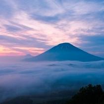 【羊蹄パノラマテラス】幻想的な雲海