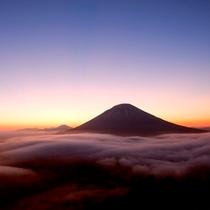 【羊蹄パノラマテラス】夕陽の雲海
