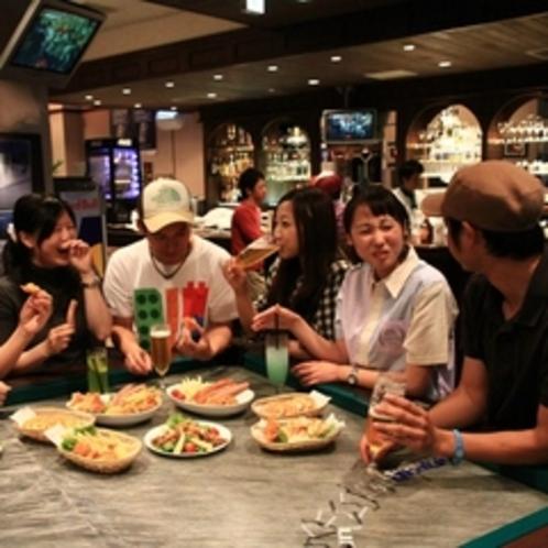 【食事(夜)】パブ「クリケット」みんなでカジュアルにお酒を楽しんで♪