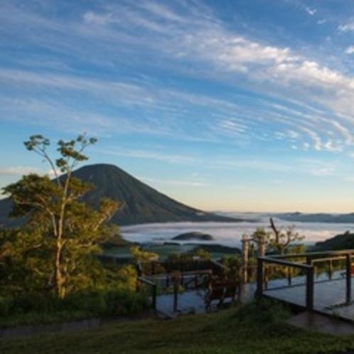 【羊蹄パノラマテラス】山頂からの爽やかな風景