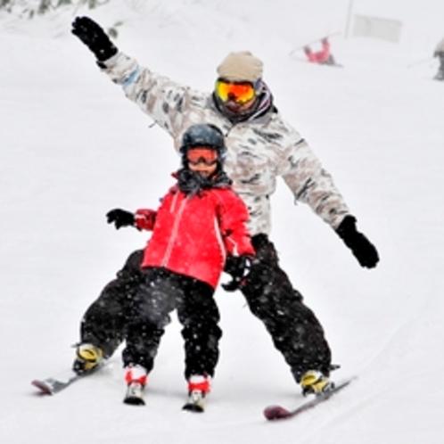 【ゲレンデ】親子でスキー★こどももはしゃぐ!おとなもはしゃぐ!フワフワ雪はスキーが上手くなります!