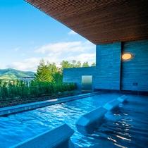 【館内施設】ノースウイング大浴場(温泉露天風呂あり)宿泊者利用無料。チェックアウト後有料