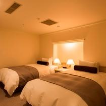 【ルスツリゾートホテル&コンベンション】ジュニアスイート ベッドルーム例