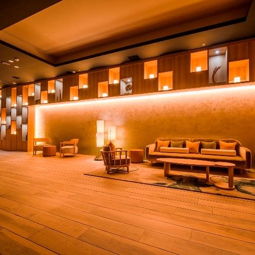 【館内施設】ノース大浴場_待合スペース(温泉露天風呂あり)宿泊者利用無料。チェックアウト後有料