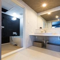 バスルーム&洗面台(ツインルーム)