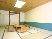【西館和室】8~10畳 畳でゆったりとお寛ぎください。