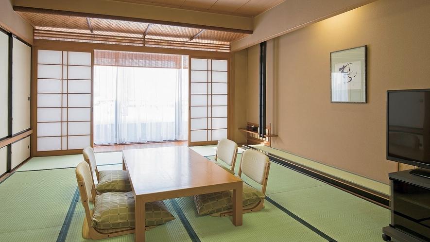 【二間続きの特別和室】高級感あふれる和の空間をのんびりとお楽しみ頂けます。