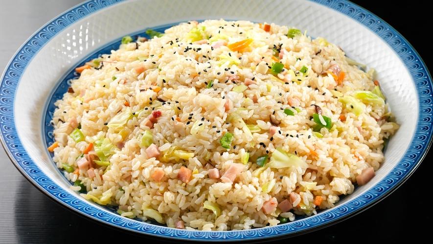 【夕食バイキング】ボリューム満点の中華料理(メニュー例)