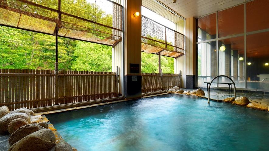 【大浴場◆露天風呂】川のせせらぎに耳を傾けながら
