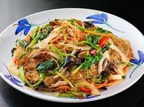 【夕食バイキング】メニュー例 韓国料理 チャプチェ