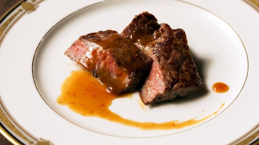 【夕食バイキング】肉厚ステーキで大満足♪