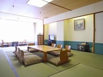 【西館和室】8~10畳の寛ぎのお部屋です。